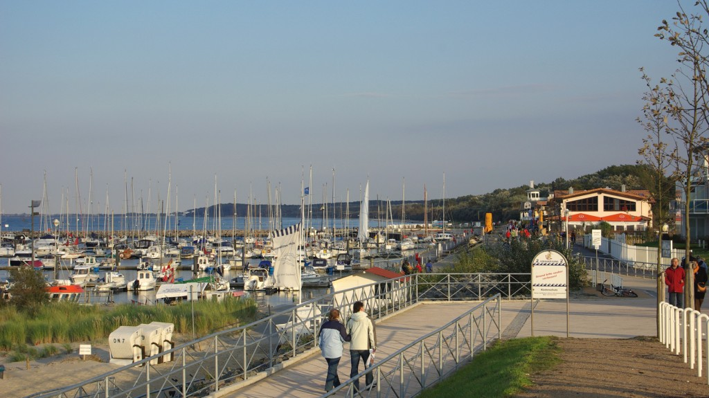 yachthafen-mit-randbebauung-2.jpg