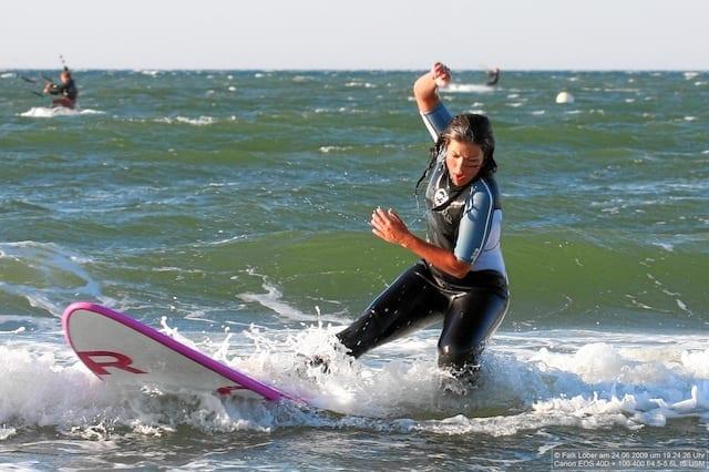 Wellenreiten Warnemünde Ostsee